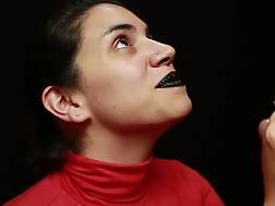 8 min - Red turtleneck black lips