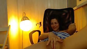 girlie jerk hard chair