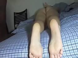 3 min - Girlfriend jizzing feet banging